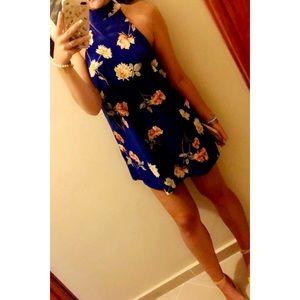 "Lulu's Dresses - 🌸 ""Flower Power"" Halter Bow Tie Print Swing Dress"